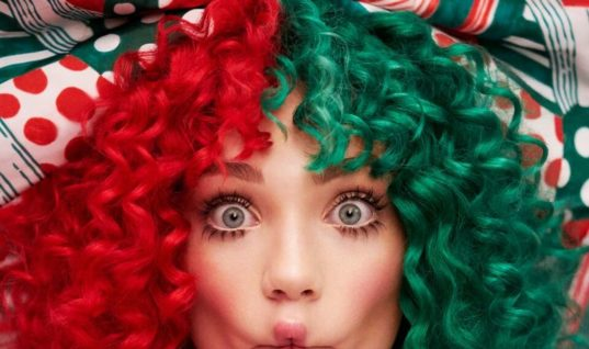 Album Review: Sia – Everyday Is Christmas
