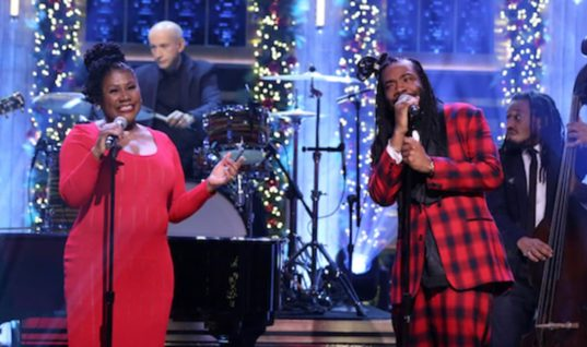 "DRAM Performs ""Silver Bells"" With His Mom on 'Fallon'"