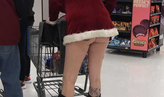 Mrs. Santa's Sister – People Of Walmart : People Of Walmart
