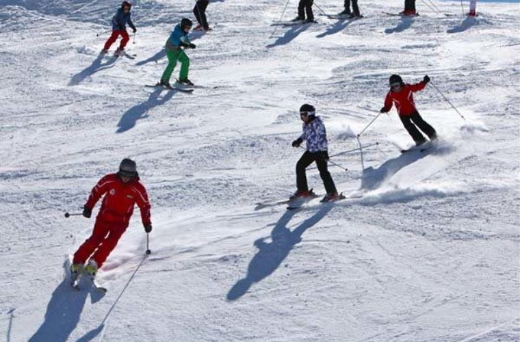 A guide to skiing etiquette