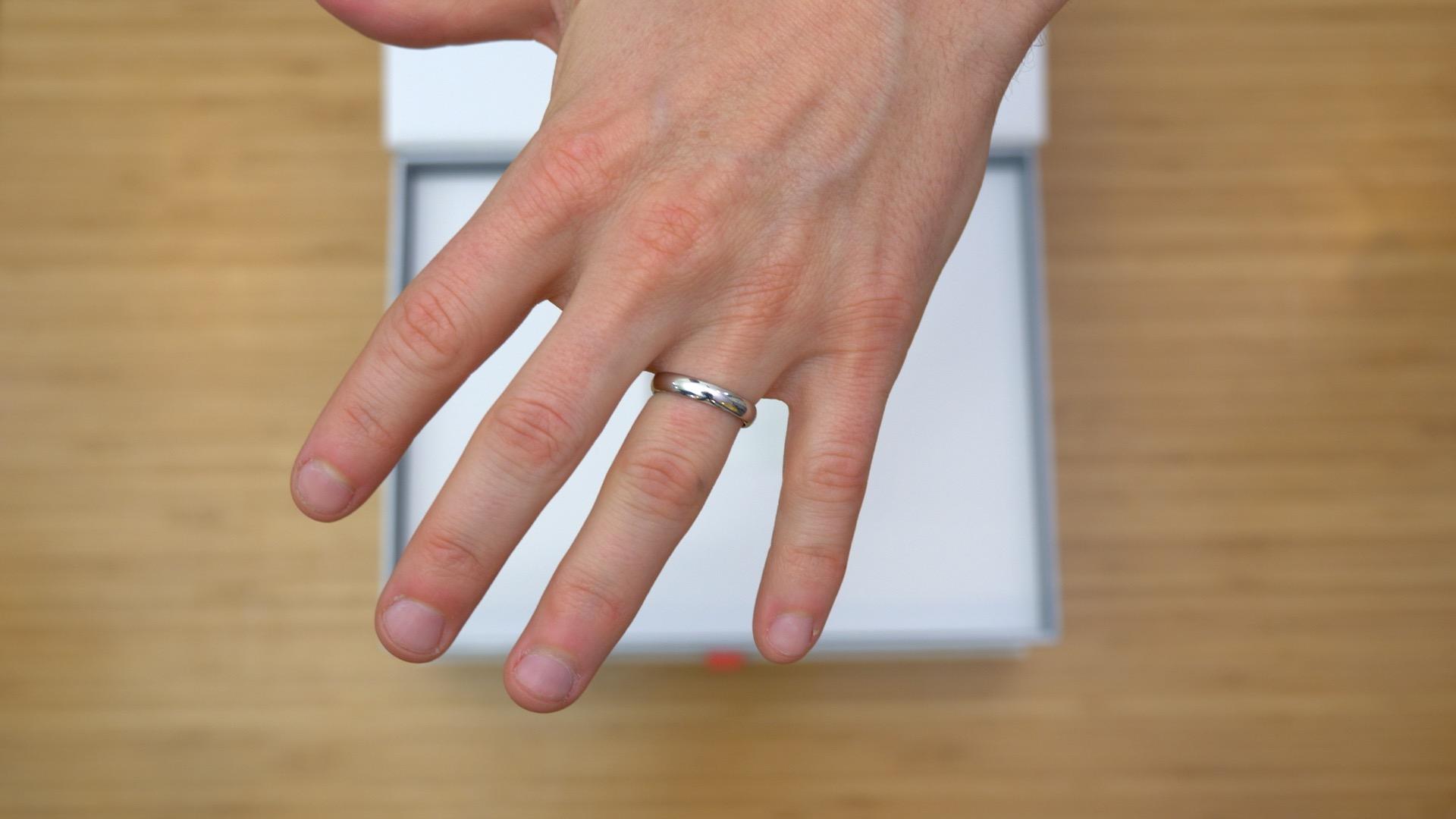 Platinum 4mm slightly curved ring