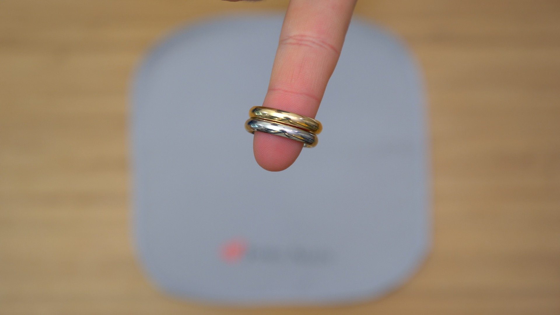 White gold vs yellow gold ring