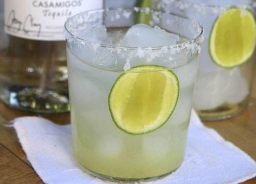 http://eat-drink-garden.com/2011/08/tequila-gimlet/