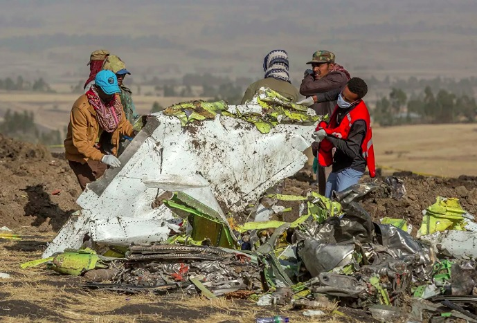 Boeing suspends 737 MAX aircraft production 33