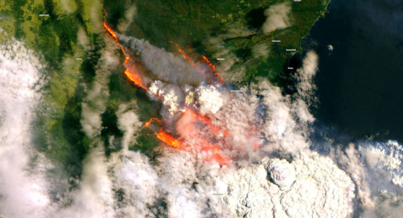 Japanese satellite captures stunning images that show the extent of forest fires in Australia 33