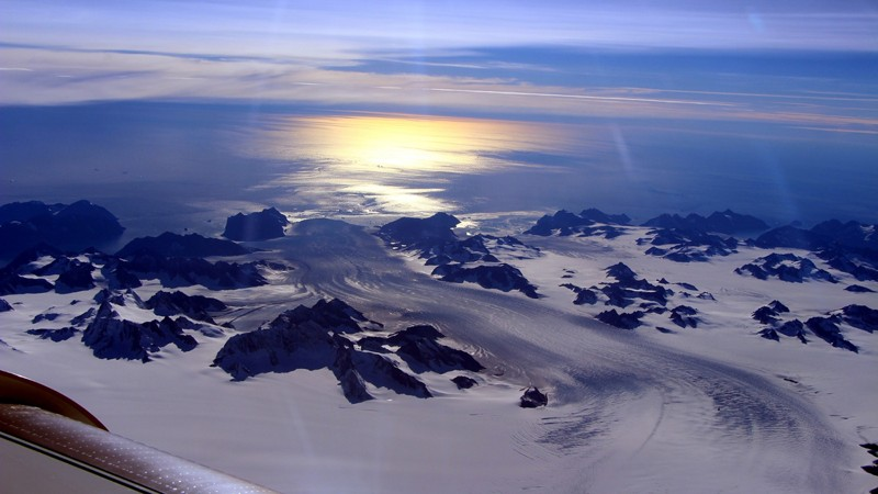 Greenland lost 600 billion tons of ice last summer