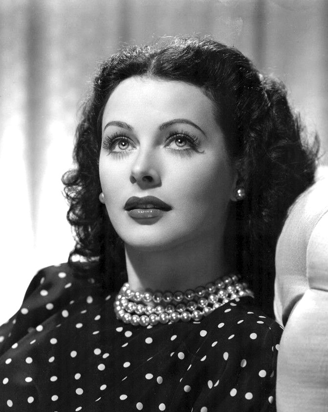 The Hollywood actress who invented WiFi 32
