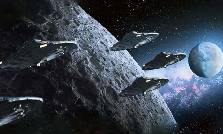 Amateur movie shows a UFO fleet heading for the moon 41