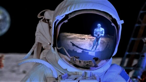 """NASA scientists say """"there is someone else"""" on the moon (Video) 37"""