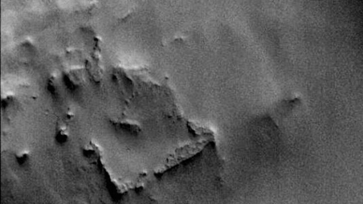 "NASA discovers an ""Archaeological Site"" on Mars thanks to photographs of the MGS probe 41"