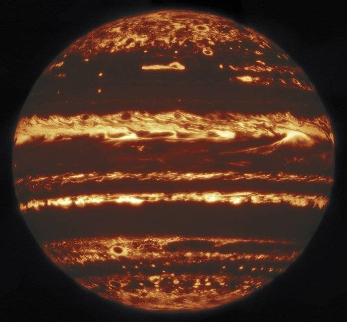 Stunning images of Jupiter reveal the secrets of its storms 32