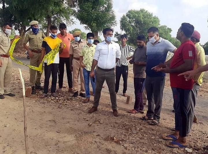 Shiny metallic meteor crashes in Rajasthan, India 33