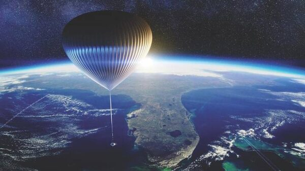 A must-see for terraplanists: soon a balloon ship could take tourists to the stratosphere 44