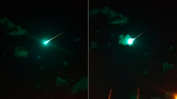 "Astronomers do not know what ""the green object"" seen dashing through the Australian sky was 60"