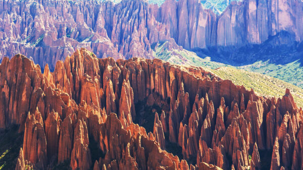 Giant mountains discovered within the Earth 15