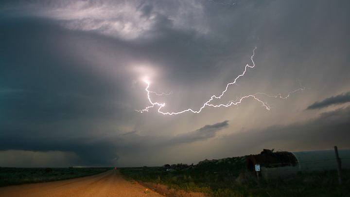 Record: a lightning bolt traveled 700 kilometers in Brazil and another lasted 16 seconds in Argentina 35