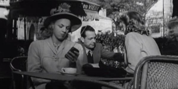 "Old 1947 French movie predicted ""cell phones"" and other modern technology! 10"