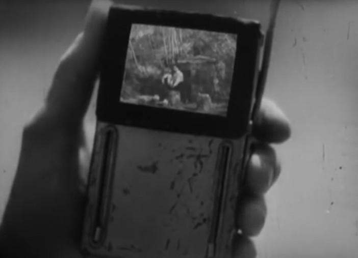 "Old 1947 French movie predicted ""cell phones"" and other modern technology! 33"