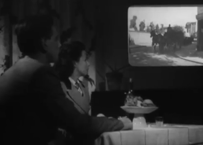 "Old 1947 French movie predicted ""cell phones"" and other modern technology! 36"