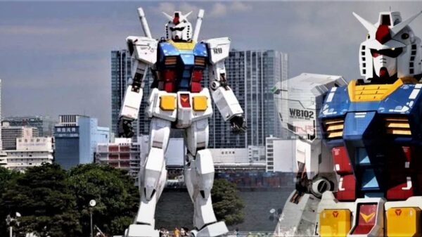 "The world's first giant robot ""begins to walk"" 14"