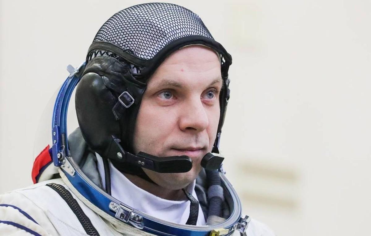 International Space Station: Cosmonaut Ivan Vagner records a UFO Fleet over the Antarctic 37