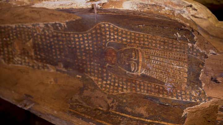 13 fully sealed 2,500-year-old coffins discovered in Egypt 40