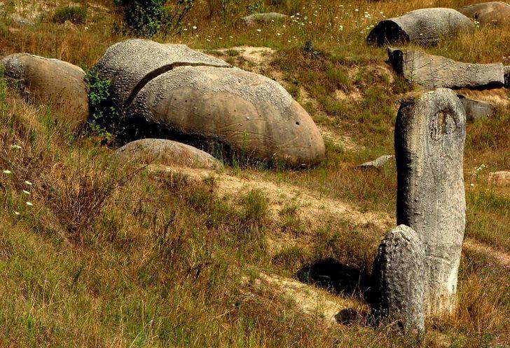 Trovants, the rocks that grow in Romania 102