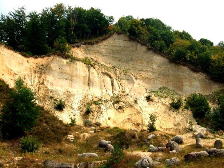 Trovants, the rocks that grow in Romania 106