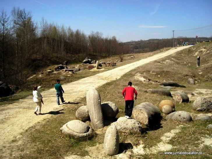 Trovants, the rocks that grow in Romania 116
