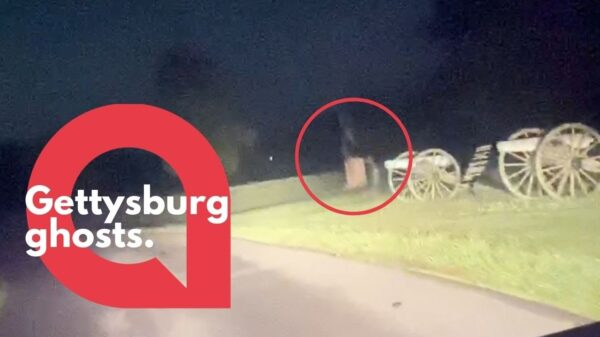 "Two ""ghosts"" captured on camera in Gettysburg 17"