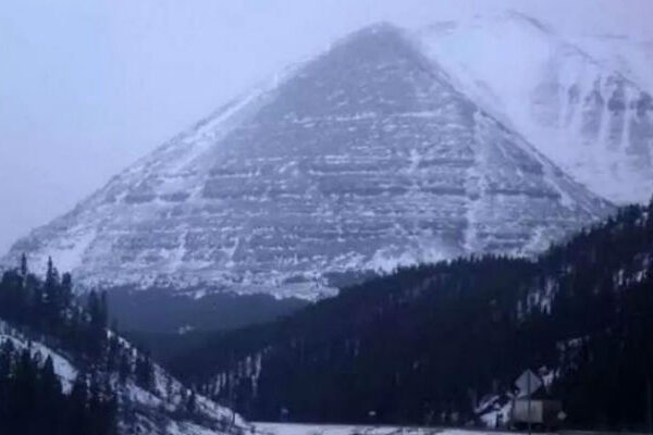 """Mysterious disappearances in Alaska's """"Bermuda Triangle"""" 32"""