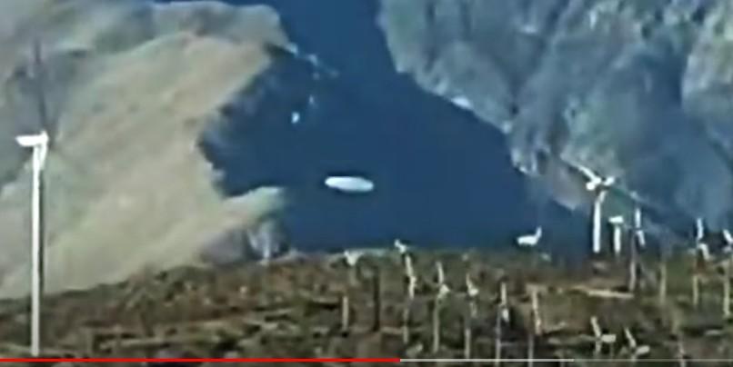 huge UFO is spotted over Mount San Jacinto, California 39