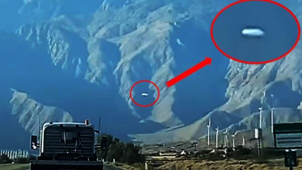 huge UFO is spotted over Mount San Jacinto, California 16