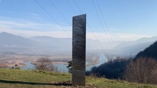 After the disappearance of the Monolith in UTAH, another Monolith appears in Romania 11