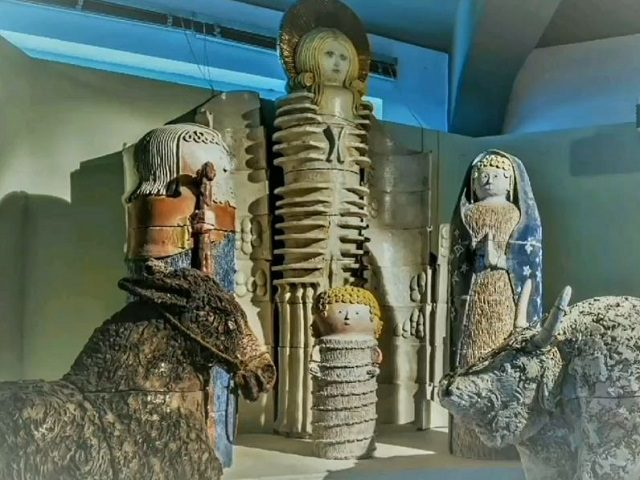 The hidden meaning of the Vatican Nativity Scene, do they prepare us for the extraterrestrial 'First contact'? 31