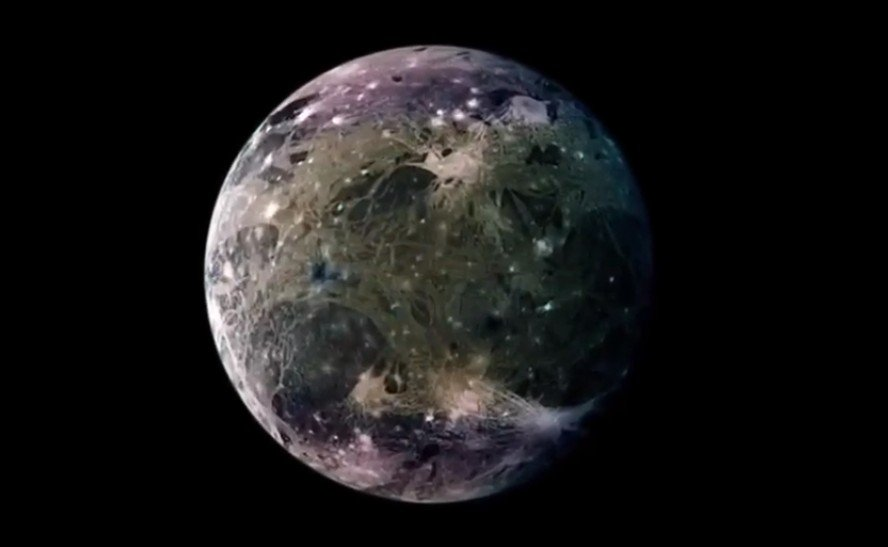 """NASA, the """"Juno"""" space probe has recorded a radio signal source in Jupiter's orbit.  Could it be an interplanetary station? 38"""