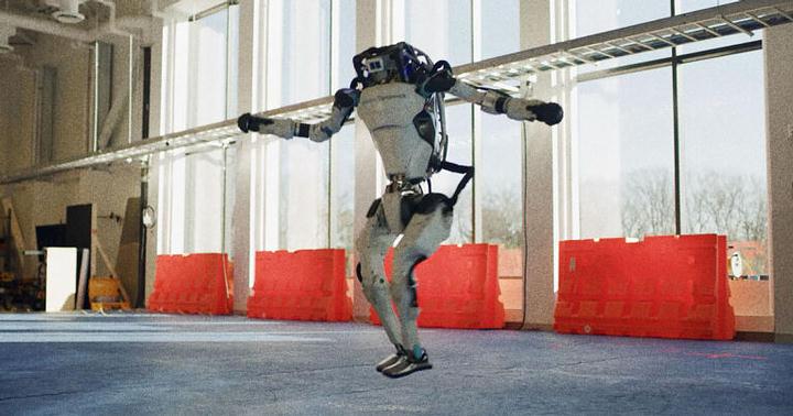 Boston Dynamics robots learn to dance 33