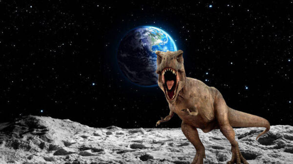 """Dinosaur remains are probably found on the Moon,"" says science journalist 3"