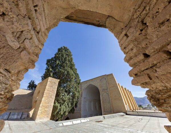 In Iran, archaeologists have discovered the legendary gate of Cyrus the Great 33