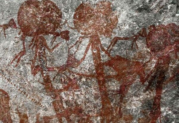 In Tanzania, a cave painting is Found with mysterious anthropomorphic creatures 32