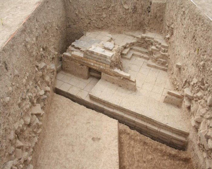 In Iran, archaeologists have discovered the legendary gate of Cyrus the Great 34