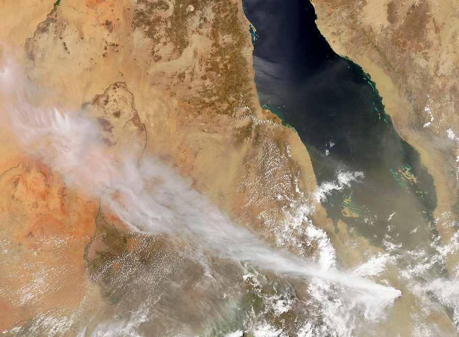 Nabro volcano erupts from space, June 2011.  Photo © Wikipedia